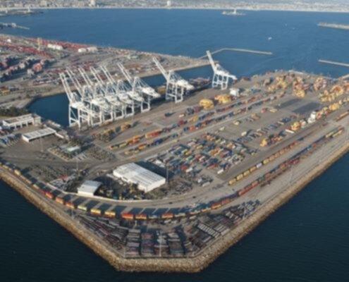 Chabar, porto internazionale sul golfo