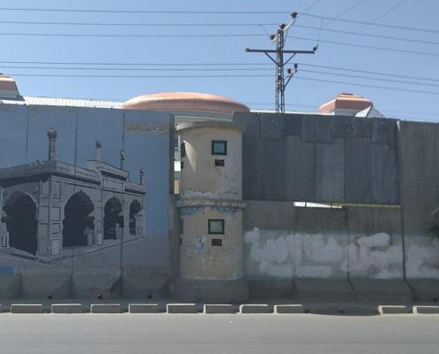 Trompe l'oeil che nascond eil cantiere di restauro del Palazzo Darul Aman